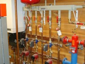 Motáž strojovny tepelného čerpadla, plynového kotle na tuhá paliva 009