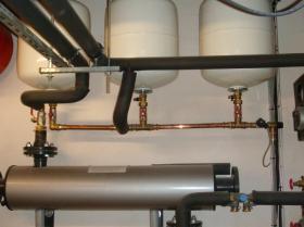 Motáž strojovny tepelného čerpadla, plynového kotle na tuhá paliva 011