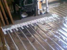 Podlahové topení suchý systém - Rodinný dům Vesec-2010 005