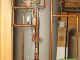 Motáž strojovny tepelného čerpadla, plynového kotle na tuhá paliva 001